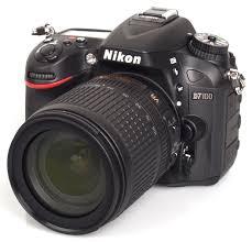 NIKON D 7100 18/105 VR