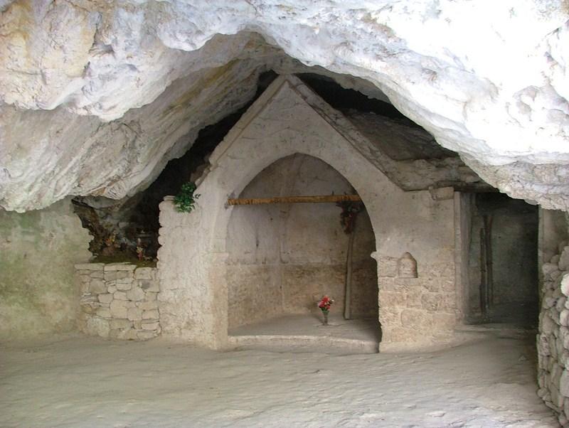 grotta dei frati