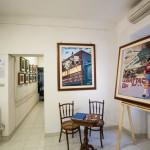 Galleria allestita,pronta per l'inaugurazione